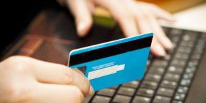 creditcard-in-de-hand